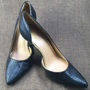 Mossimo Black/gold heels. Size 7